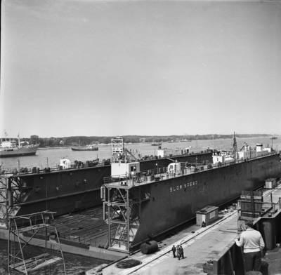 Klaipėdos Baltijos laivų statykla. Kubai pastatytas dokas / Bernardas Aleknavičius. - 1972