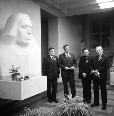 Poetai Justinas Marcinkevičius, Alfonsas Maldonis, Paulius Drevinis ir Kostas Korsakas / Bernardas Aleknavičius. - 1973.XII.29