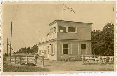 [Memel - Strandvilla] / Photographie A. Hennig. - 193?