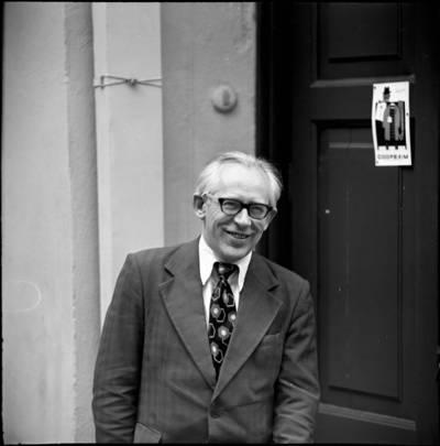 [Žurnalistas, žurnalistikos teoretikas ir pedagogas Stasys Makauskas] / Audronius Ulozevičius. - 1979