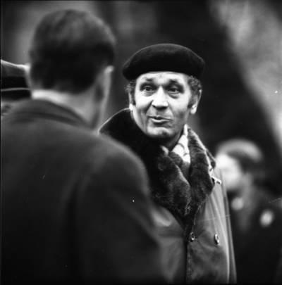 [Poetas Alfonsas Maldonis K. Donelaičio paminklo atidengimo renginyje 1973 m. Klaipėda] / Bernardas Aleknavičius. - 1973.XII.29