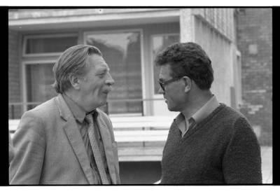 [Žurnalistai Algimantas Stankevičius ir Edvardas Uldukis Nidoje] / Bernardas Aleknavičius. - 198-