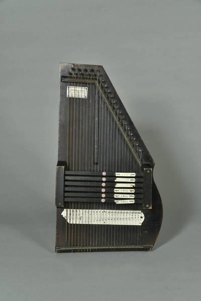 Citra - kanklės - styginis skambinamasis muzikos instrumentas