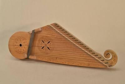Stasys Rudis. Kanklės sudėtingosios, tradicinės formos, 20-ties dvigubų stygų, meistras St. Rudis. 1938