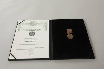 Donatas Stankevičius. Lietuvos kariuomenės kūrėjų savanorių medalis, įteiktas Eugenijui Alaburdai, ir jo liudijimas dėkle. 2016