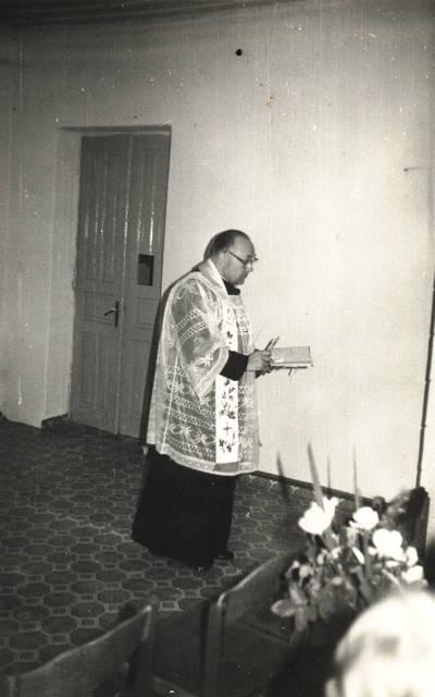 Arūnas Zalanskas. D. ir Z. Kalesinskų liaudies amatų mokyklos šventinimas. 1991-10-14