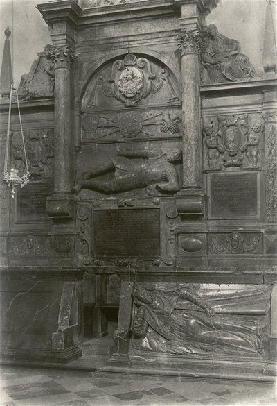 Janas Bulhakas. Leono Sapiegos antkapis Šv. Mykolo bažnyčioje. 1937