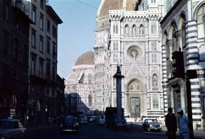 Prano Gudyno kelionių nuotrauka: Basilica di Santa Maria del Fiore eksterjero fragmentas Florencijos (Italija) mieste. 1965