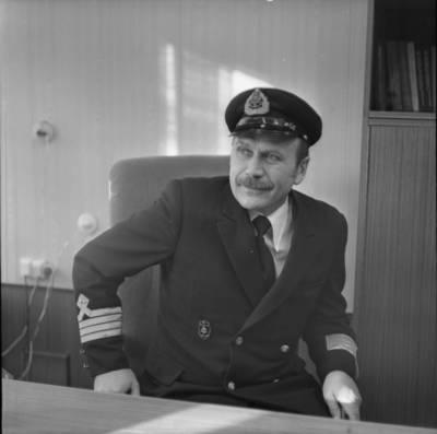 Gotfridas Tapinas. Lietuvos jūrų laivininkystės kapitonas Stanislovas Jonkus. 1982
