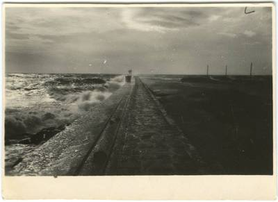 Šiaurinis molas audros metu. 1930