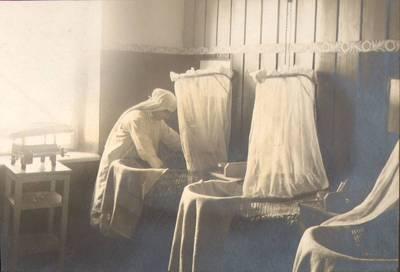"""Nežinomas fotografas. Fotografija. """"Kūdikių miegamasis kambarys"""". 1924"""