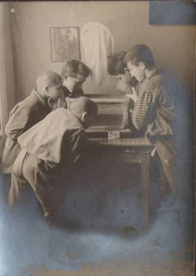 """Nežinomas fotografas. Fotografija. """"Vaikams dėstomas gamtos mokslas"""". 1924"""