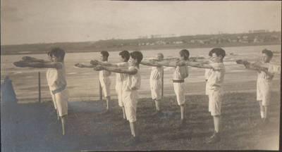 "Nežinomas fotografas. Fotografija. ""Gimnastika"". 1924"