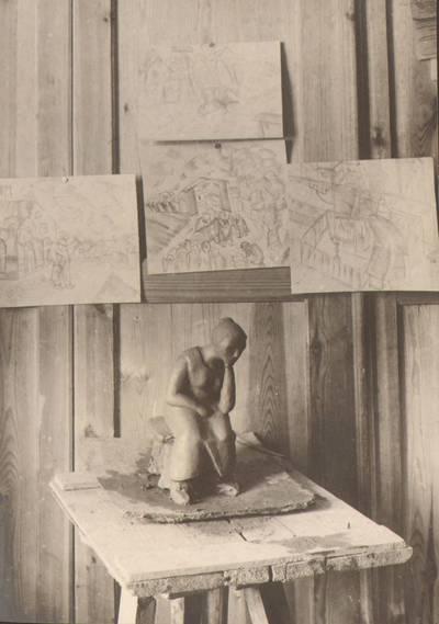 """Nežinomas fotografas. Fotografija. """"Vieno gabaus vaiko meno išdirbiniai"""". 1924"""
