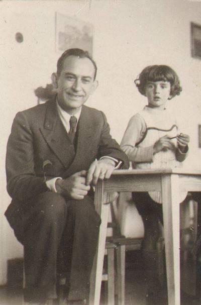 """Nežinomas fotografas. Užsiėmimai Marijos Varnienės """"Vaikų nameliuose"""". 1932"""