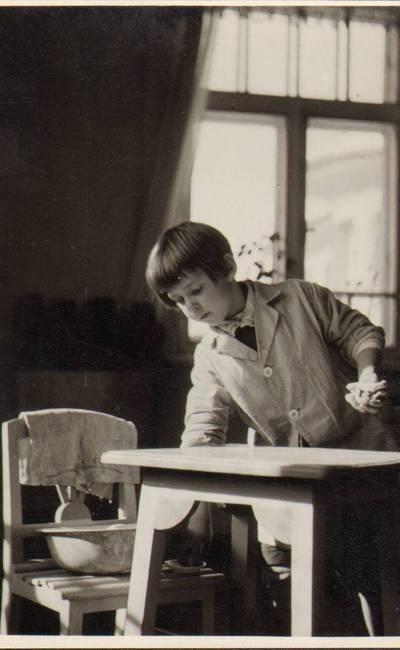 """Nežinomas fotografas. Užsiėmimai Marijos Varnienės """"Vaikų nameliuose"""". 1934-03"""