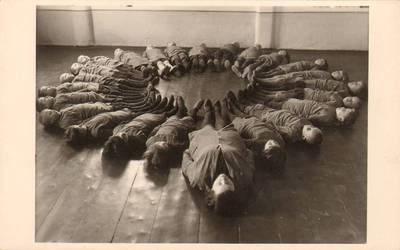 """Nežinomas fotografas. Šiaulių vaikų daržely """"mankštyla"""" 1933 metais. 1933"""