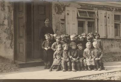 Nežinomas fotografas. Marijampolės vaikų darželis 1927 metais. 1927