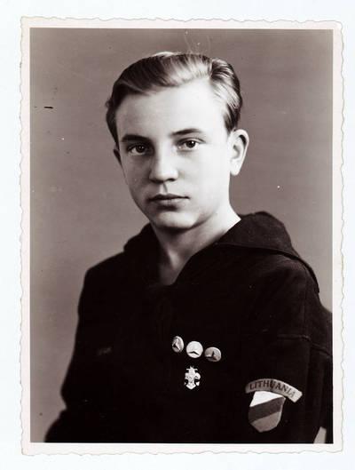 Lietuvos jūrų skautas Endrius Jankus. 1947 m. rugsėjo 10 d., Flensburgas, Vokietija.
