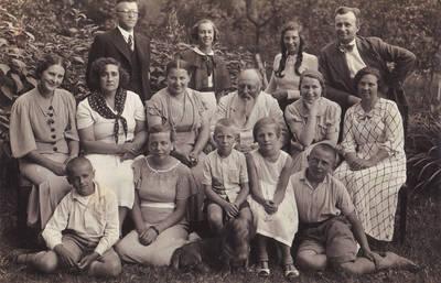 Viešnagė Martyno Jankaus sodyboje, 1936 m. Bitėnai