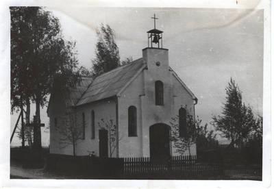 1970 m. klebono Petro Stuko perstatyta Pagėgių kapiniųkoplyčia