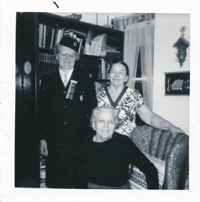 Elzė ir Edė Jankutės. 1971