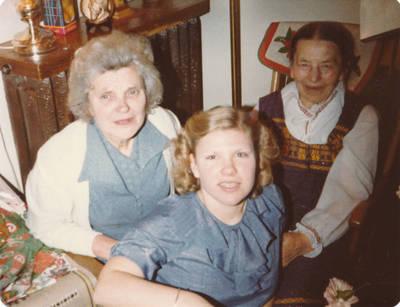 Elzė  Jankutė ir Marija Dambarienė su dukra Kristina, 1980 m. Torontas. 1980
