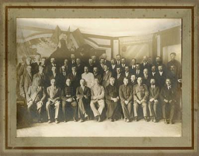Panevėžio savivaldybės atstovai bei kiti svarbūs miesto veikėjai. 1933