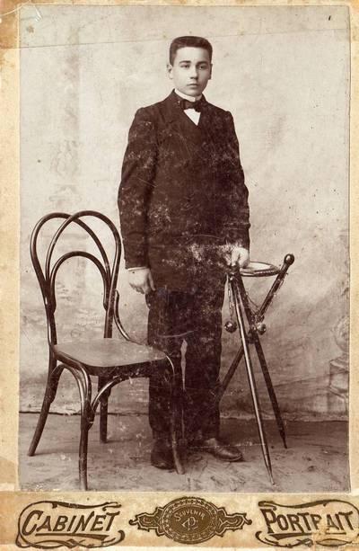 Raseinių progimnazijos gimnazistas Petras Naidionovas (Rasteika). 1904