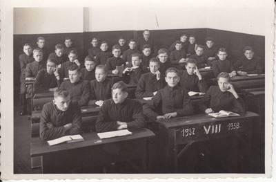 Jakovas Vincbergas. Marijampolės Rygiškių Jono gimnazijos 8-oji klasė 1938-01-28. 1938