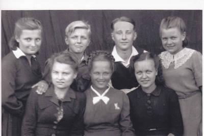 Nežinomas autorius. 1941 metų birželio 14-osios Juodojo birželio tremtiniai lietuviai. 1944