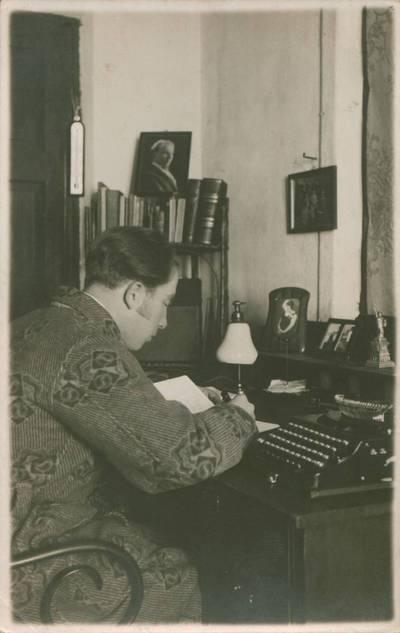 Nuotrauka. Butkų Juzė namuose. 1926
