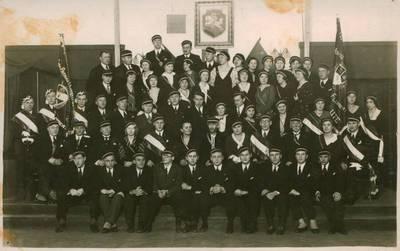 Nežinomas fotografas. Nuotrauka. Vydūnas tarp studentų ir kitų visuomeninių organizacijų atstovų. 1930