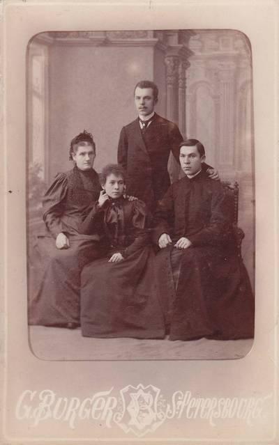 G. Biurgeris. Nuotrauka. Navickų šeima. 1875