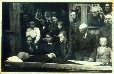 Fotografija. Vaistininko Mato Valeikos laidotuvės. 1937