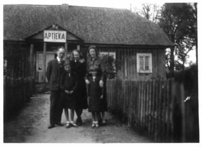 Fotografija. Mato Valeikos šeima. 1932