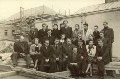 Panevėžio dramos teatro aktoriai 1954 m / Juozas Miltinis ... [et al.]. - 1954.09.28