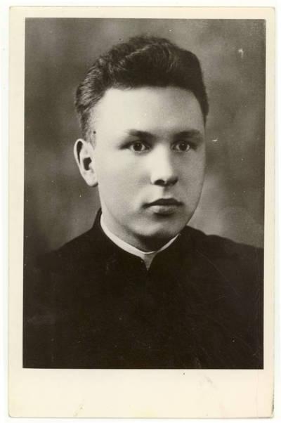 Miežiškių kunigai. Kunigas Antanas Valantinas / Antanas Valantinas. - apie 1940
