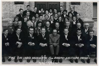Panevėžio mokytojų seminarijos V-os laidos absolventai 15 m. baigimo-susitikimo proga, 1949-1964 / Motiejus Lukšys ... [et al.]. - 1964