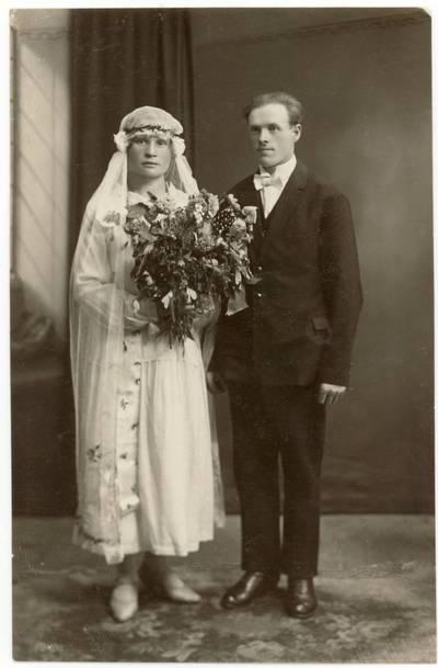 Onos Juodeškaitės-Žilinskienės ir Prano Žilinsko vestuvių nuotrauka / Ona Juodeškaitė-Žilinskienė, Pranas Žilinskas. - 1926.11.13