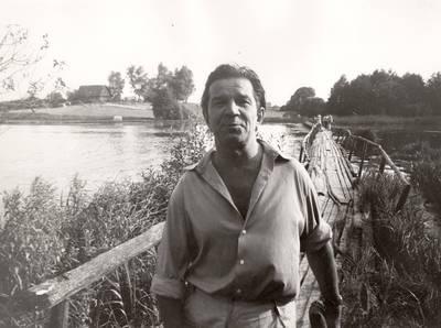 Panevėžio dramos teatro aktorius Bronius Babkauskas eigulio vaidmenyje režisieriaus A. Grikevičiaus filme Sadūto Tūto / Bronius Babkauskas. - 1974