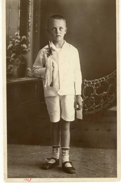 Vytautas Karka. Pirmosios Komunijos nuotrauka / Vytautas Karka. - 1927