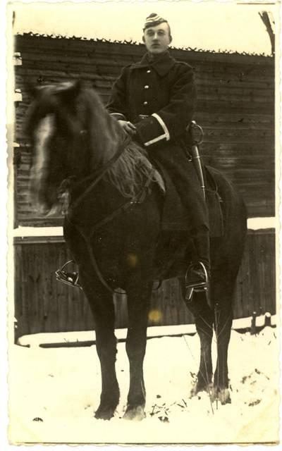 Paįstrietis Adolfas Valkūnas / A[dolfas] V[alkūnas]. - 1933.07.07