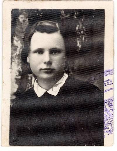 Elena Gabulaitė / Elena Gabulaitė. - apie 1935-1937