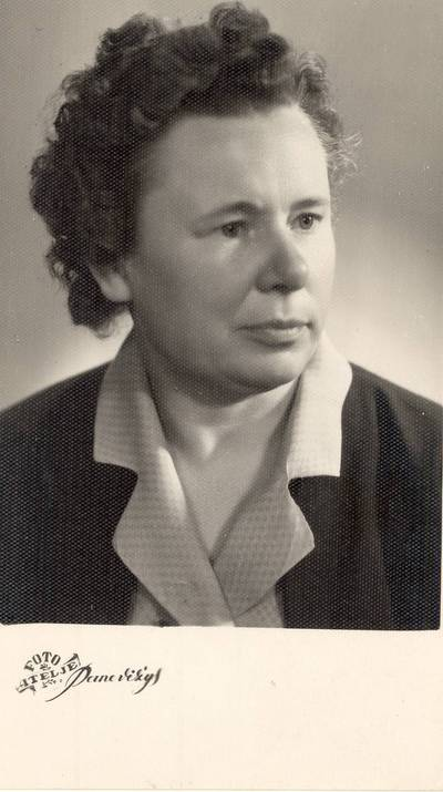 Pedagogė Elena Gabulaitė / Elena Gabulaitė. - apie 1963