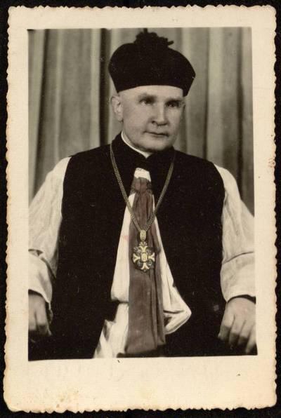 [Kunigas Juozas Želvys. Portretinė nuotrauka] / J[uozas] Želvys. - 1961.06.08