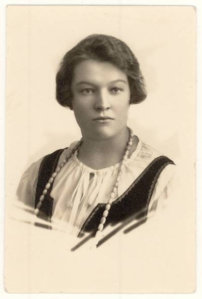 [Pedagogė Paulina Jankevičienė. Portretinė nuotrauka] / P. Jankevičienė. - 1929.03.28