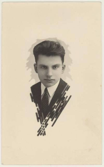 Mokytojas Motiejus Lukšys. Portretinė nuotrauka / Motiejus Lukšys. - apie 1933