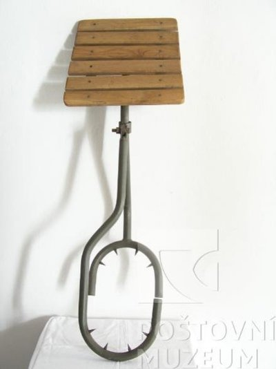 Montážní stolička pro spojaře