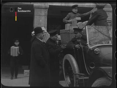 Transport der Weihnachts-Kriegerspende der U.T. - Besucher